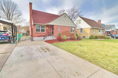 BEAUTIFULLY DEOCORATEDAND VERY WELL-MAINTAINED FULL BRICK HOUSE