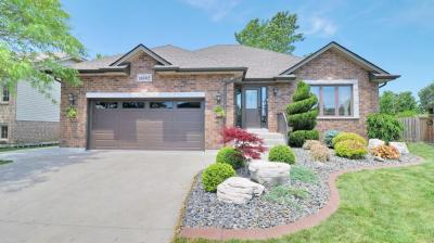 Gorgeous fully finished ranch on quiet cul-de-sac in Riverside.